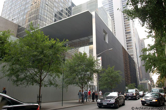 MIDTOWN MANHATTAN - MoMA