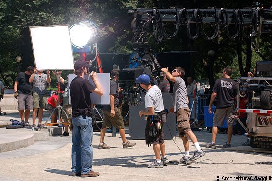 CENTRAL PARK SOUTH - All'angolo sud ovest di Central Park, proprio a Columbus Circle ci imbattiamo in un set cinematografico