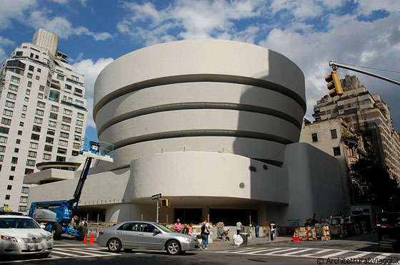 UPPER EAST SIDE - Il Guggenheim Museum   è uno dei simboli di New York City