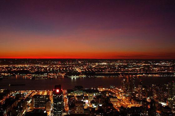 New york city il bellissimo tramonto rosso dall 39 alto for New york dall alto