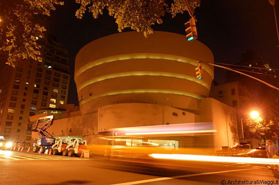 MUSEUM MILE - Solomon R Guggenheim Museum by night