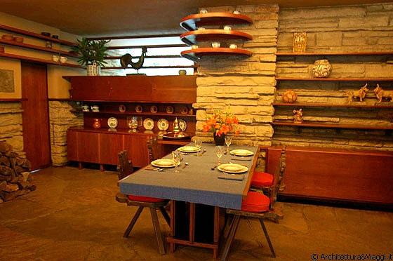 Villa leone for Frank lloyd wright piani casa della prateria