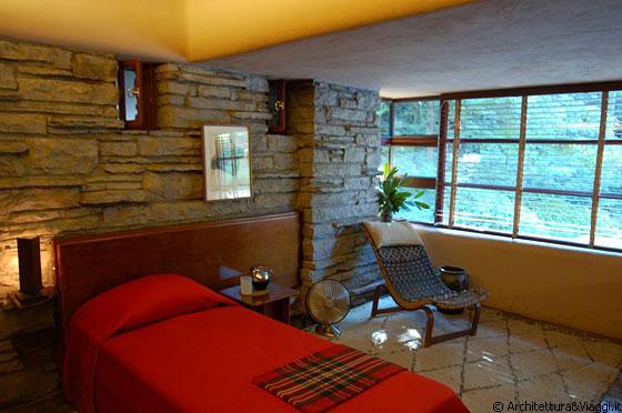 Mill run pennsylvania casa sulla cascata camera per for Piani casa pa