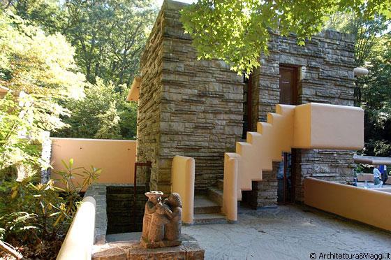 Fallingwater terrazza ovest l 39 unico punto di for Piani casa in stile key west