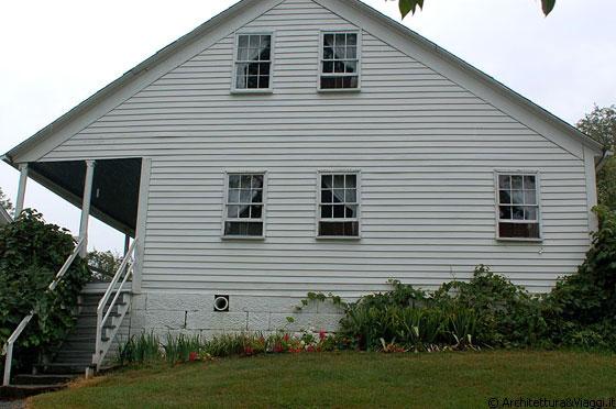 Amish country la facciata laterale della nuova for Portico laterale in stile casa in stile charleston
