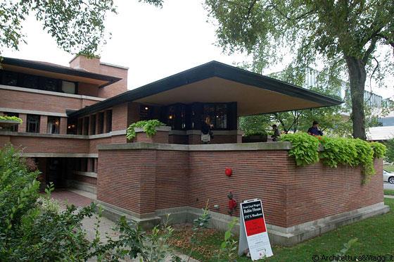 CHICAGO - Alla terrazza del soggiorno della Casa Robie si accede ...
