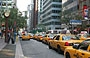 MIDTOWN MANHATTAN. Yellow taxi a New York