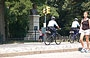 MANHATTAN. Polizia in bicicletta a Central Park South