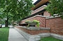 CHICAGO - HYDE PARK. Robie House - arch. Frank Lloyd Wright - angolo NE 58th e Woodlawn (5757 S Woodlawn Avenue)