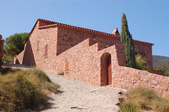 Girolata il piccolo villaggio sull 39 omonimo golfo for Disegni di case in pietra calcarea