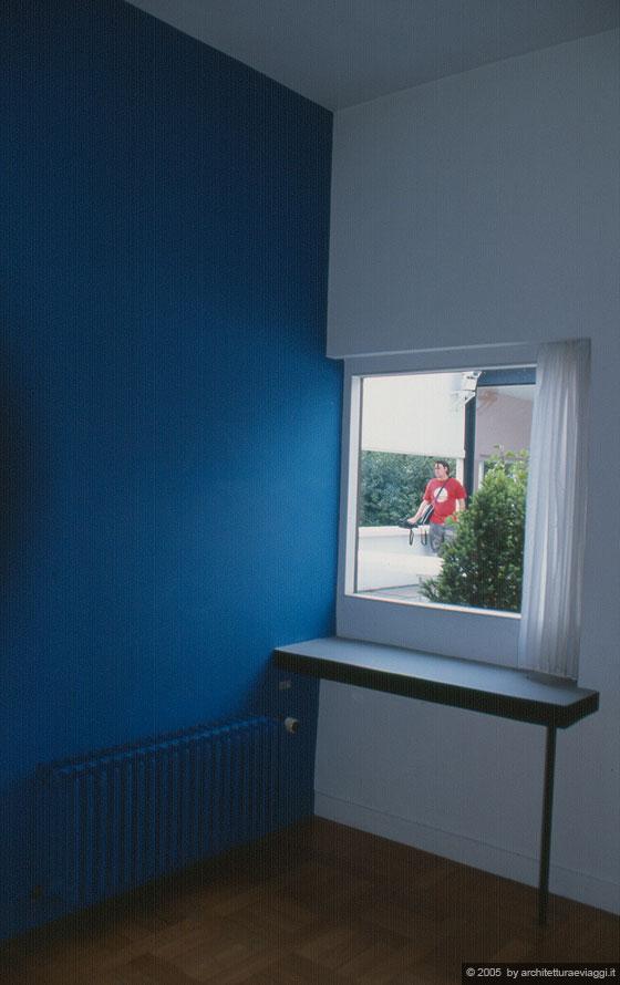 Villa savoye poissy la finestra del boudoir si affaccia sul giardino pensile - La finestra sul giardino ...