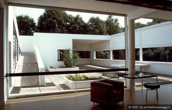 Villa savoye poissy il giardino pensile e la rampa - Le corbusier tetto giardino ...