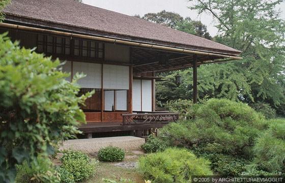 Kyoto arashiyama okochi sancho l 39 engawa una sorta for Piani di veranda coperta