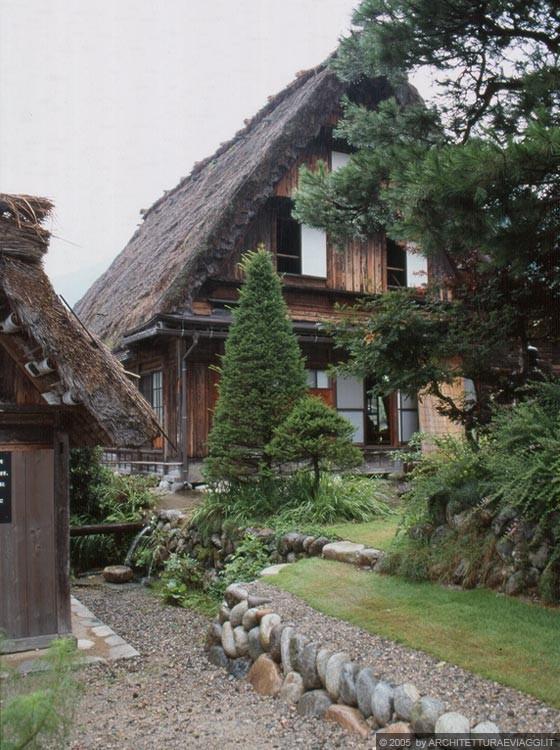 OGIMACHI - Casa gassho-zukuri Kanda House: sistema costruttivo