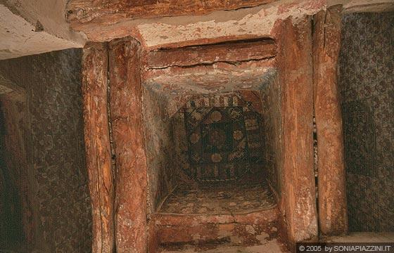 LADAKH - Gompa di Alchi - vista dal basso verso l'alto dei ...