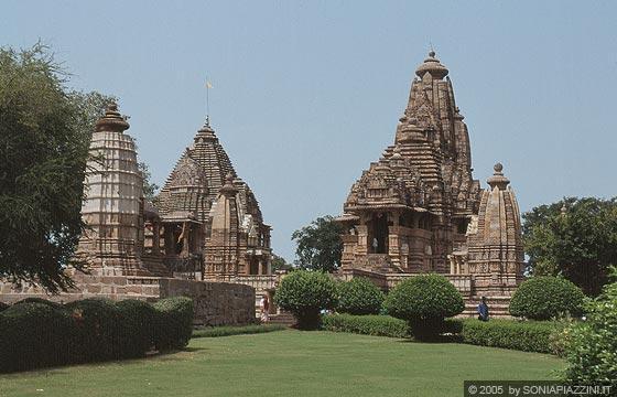 Khajuraho templi del gruppo occidentale lakshmana for Figure del kamasutra