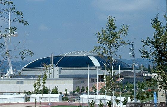 Barcellona montjuic palazzo dello sport sant jordi su for Architetto giapponese