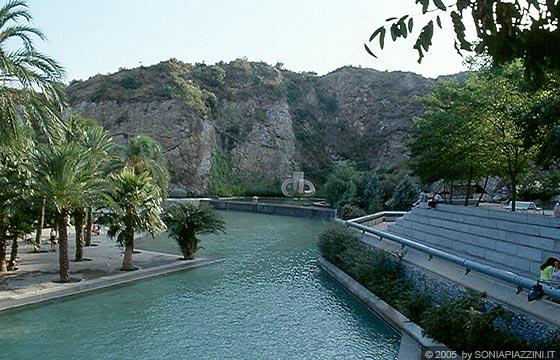 Barcellona parco della creueta del coll passeig de la for Piscina creueta del coll