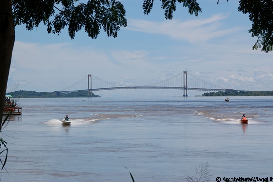 Ciudad bolivar l 39 orinoco il principale fiume del for Cabine del fiume bandera