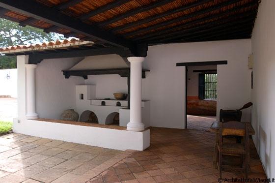Ciudad bolivar il forno a legna camino nel portico - Forno a legna in casa ...