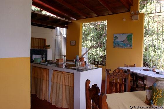 ... - Posada La Parchita - zona cucina con tavoli per la colazione