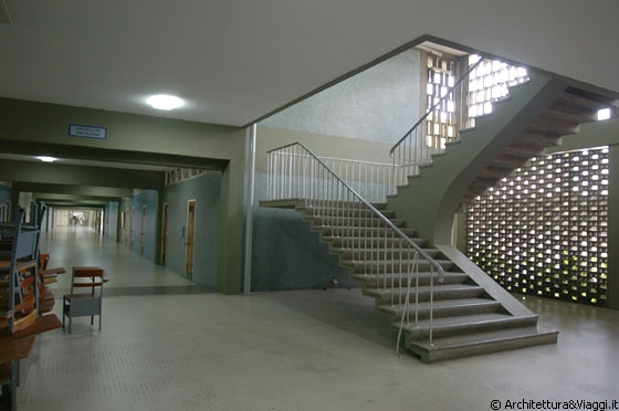 Ucv caracas facultad de humanidades y educac on l 39 eleganza e la leggerezza delle scale in - Scale in cemento armato ...