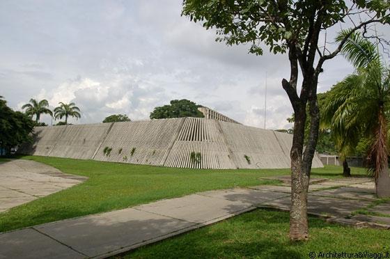 Universita 39 Centrale Del Venezuela Il Volume Della Mensa