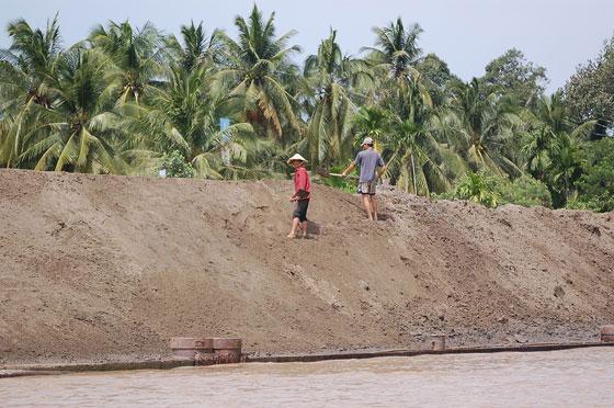 Verso il delta del mekong il trasporto della sabbia sul for Sabbia di fiume