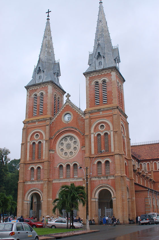 HO CHI MINH CITY - Cattedrale di Notre Dame